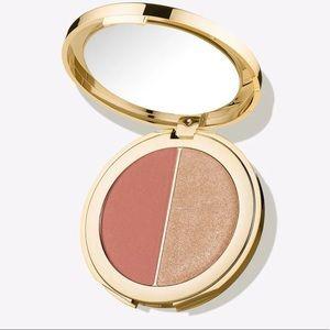 Tarte Blush and glow rose gold highlighter ✨